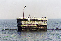Cross Ledge Light (Foundation) in 1998 - 32nd trip